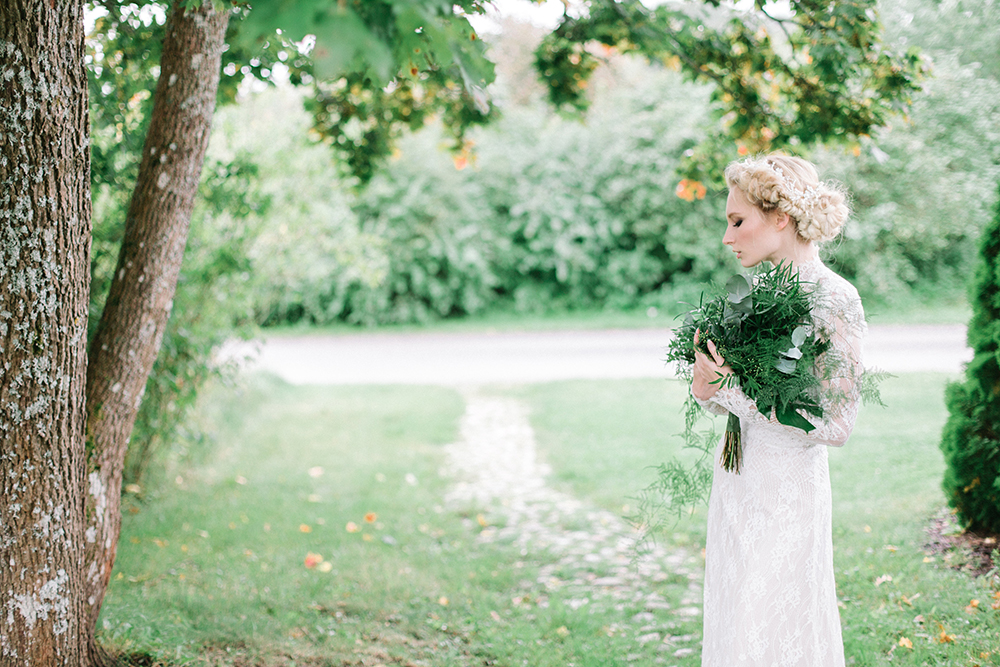 Botanical bridal shoot_Willow visuals_blog18